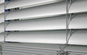 NAO Brise soleil orientable en aluminium C-80 _L 2,5m X H 0,6m