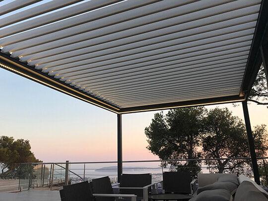 NAO Pergola Bioclimatique aluminium a lames orientables sur mesure L 3040mm x A 3500mm