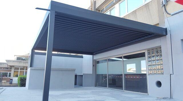 NAO Pergola bioclimatique aluminium Top Prix 2.05m x 2m