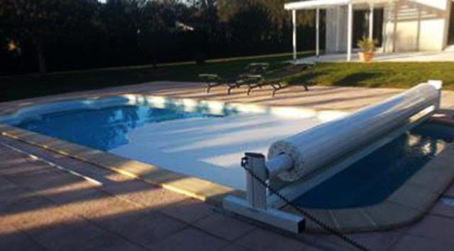 NAO Volet de piscine hors sol mobile solaire L 5000 x l 10500 mm