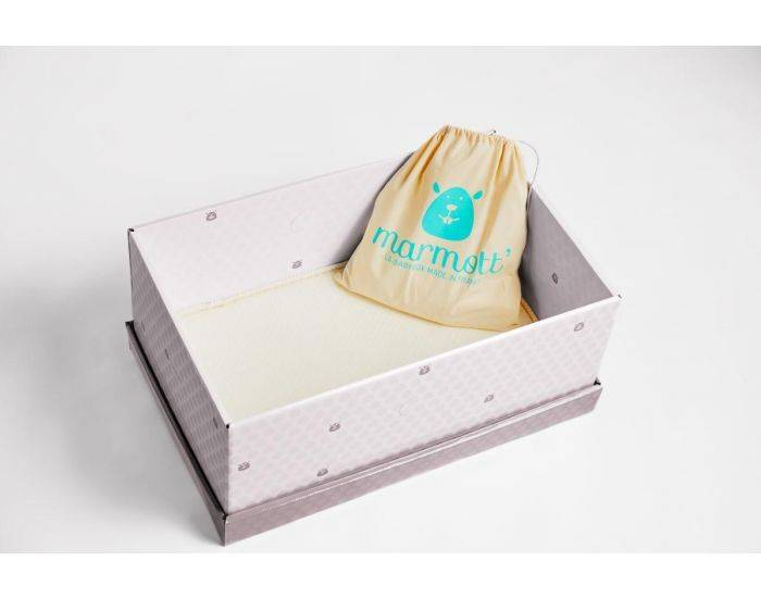 MARMOTT Babybox La Bio - Berceau Evolutif en Carton + Linge de Lit et 12 Produits de Soins Bio Taupe