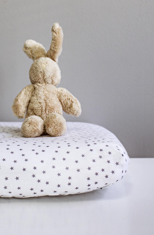 Kadolis Drap housse COTON BIO motifs étoiles - pour lit Bébé