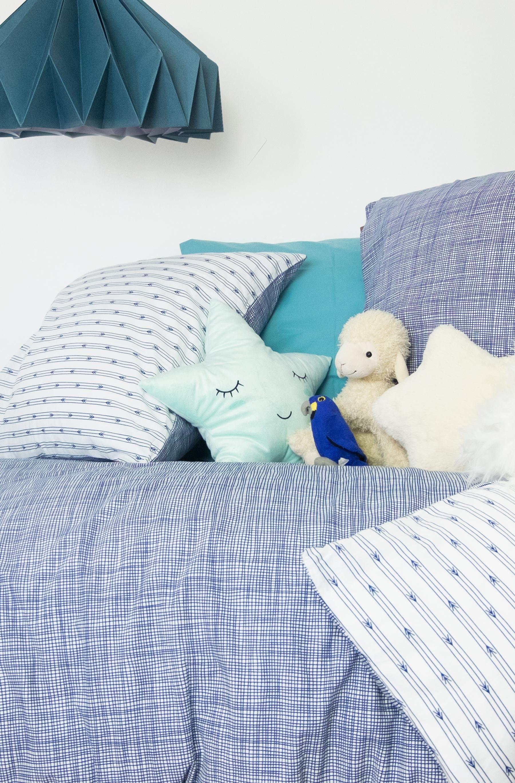 Kadolis Housse de Couette enfant en Coton bio Bleu chiné + taie-140 x 200 cm