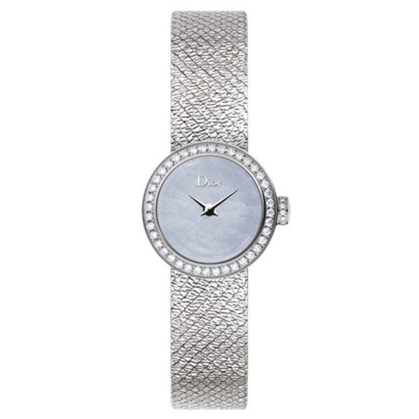 DIOR Montre Mini D de Dior Satine cadran nacre bleue bracelet acier 19 mm