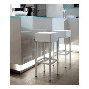 Pedrali CUBE - Tabouret de bar moderne en acier et aspect cuir - Publicité