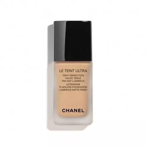 Chanel LE TEINT ULTRA Teint Perfection Haute Tenue Fini Mat Lumineux 121 CARAMEL