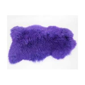 Peau de mouton teintée violet