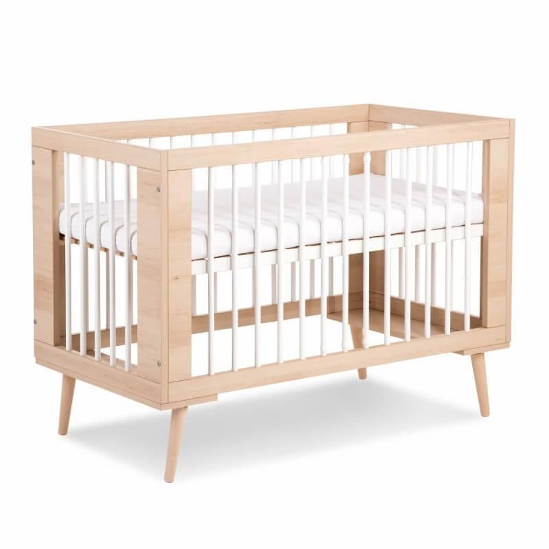 Petite Chambre Lit bébé 60x120 Sofie   60 x 120   Couleur au choix   Bois massif   petitechambre.fr