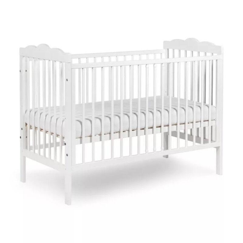 Petite Chambre Lit bébé blanc ou gris pas cher Oliver   60 cm x 120 cm   Couleur au choix   Bois massif   petitechambre.fr