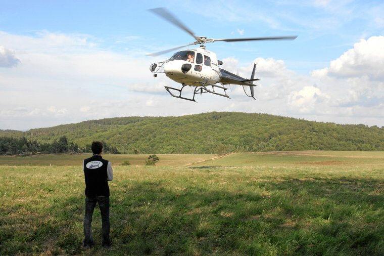 ideesport.fr Vol panoramique en hélicoptère - Volcans d'Auvergne