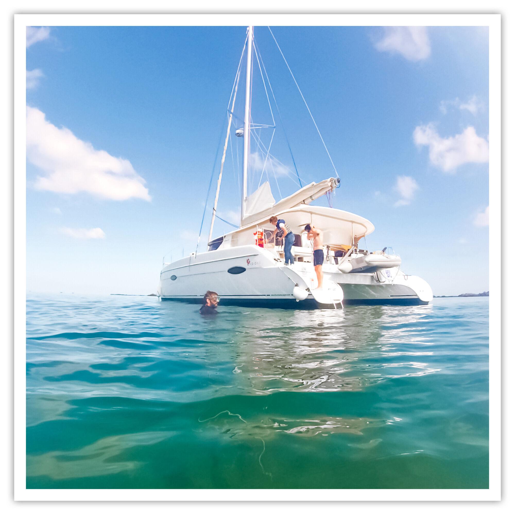 Smartbox Croisière en catamaran de 3h dans les Côtes-d'Armor et collation pour 2 Coffret cadeau Smartbox