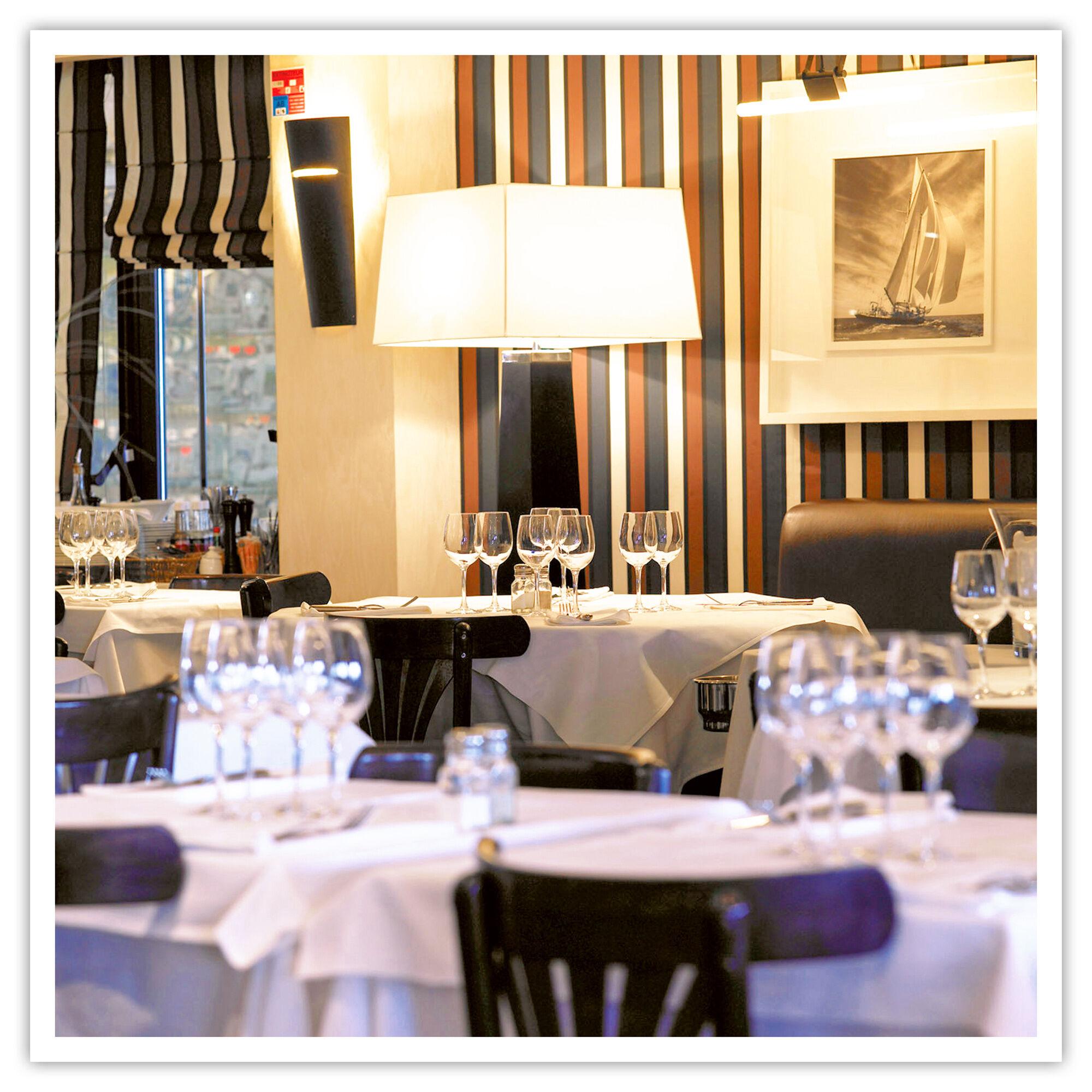 Smartbox Repas 3 plats et vin pour 2 au Café de la Plage - Chez Pierre à Arcachon Coffret cadeau Smartbox