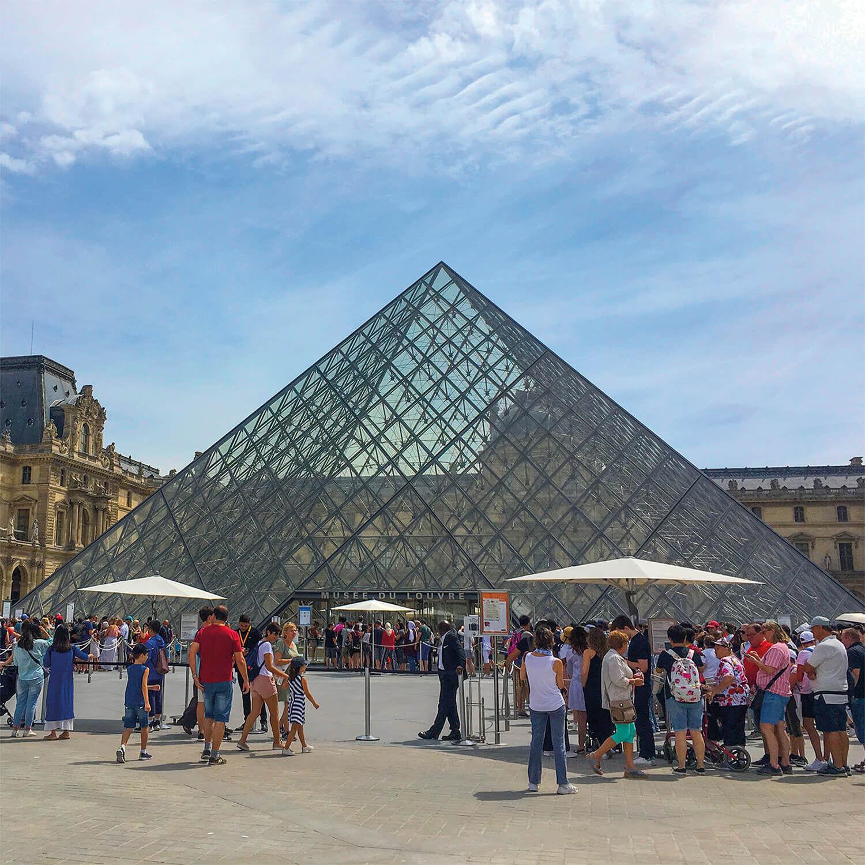 Smartbox Visite guidée du Louvre de 2h sur le thème du vin pour 4 personnes Coffret cadeau Smartbox