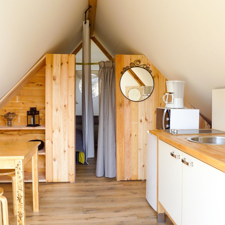 Smartbox Nuit insolite pour 4 personnes en tente trappeur avec petit-déjeuner, en Haute-Garonne Coffret cadeau Smartbox