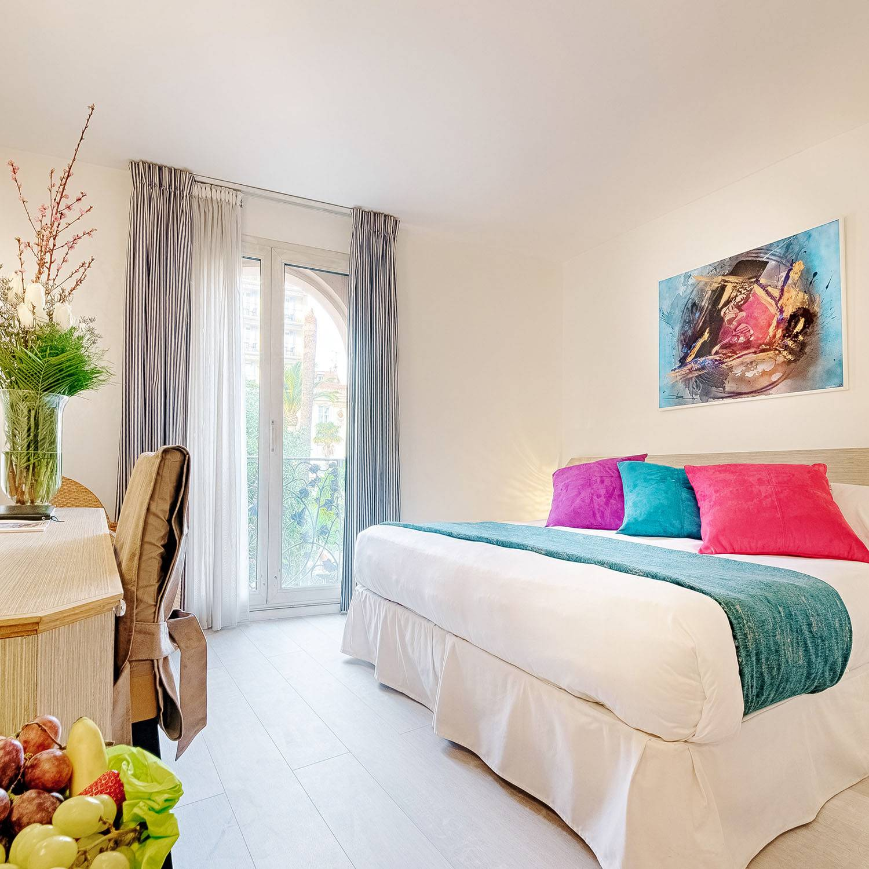 Smartbox Séjour 1 nuit pour 2 en hôtel 4* à Cannes avec petit-déjeuner et accès bien-être Coffret cadeau Smartbox