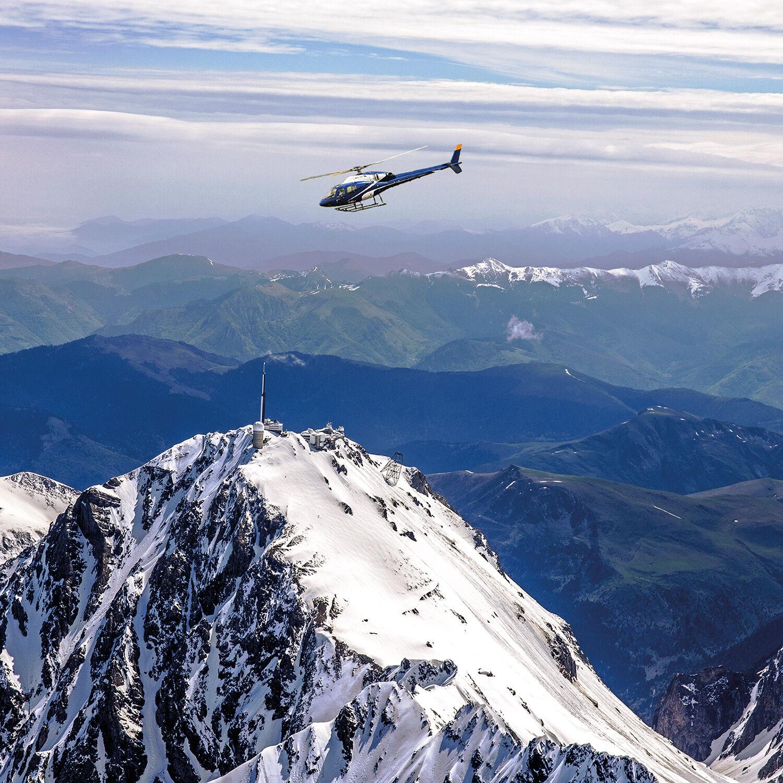 Smartbox 20 minutes de vol en hélicoptère autour du Pic du Midi pour 2 Coffret cadeau Smartbox