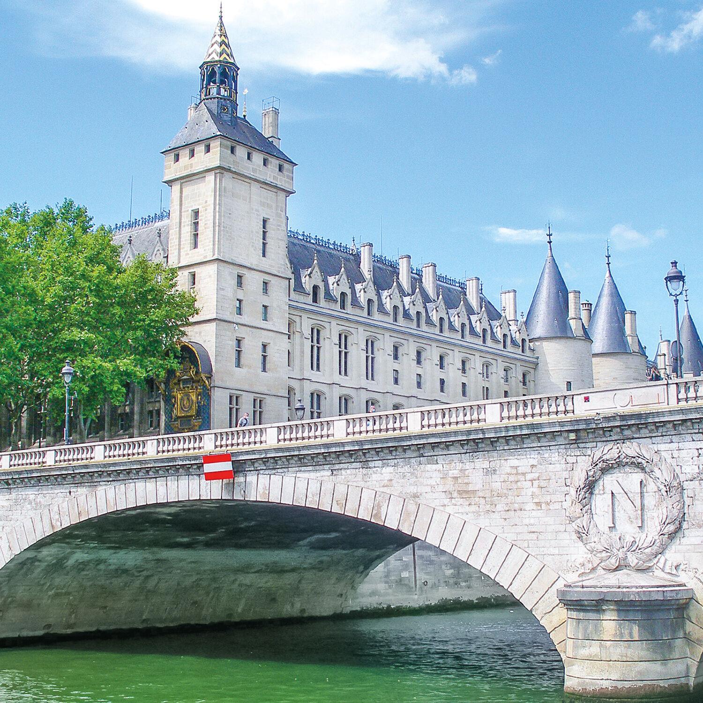 Smartbox Promenade guidée sur les berges de Seine avec pause gourmande à Paris pour 2 Coffret cadeau Smartbox