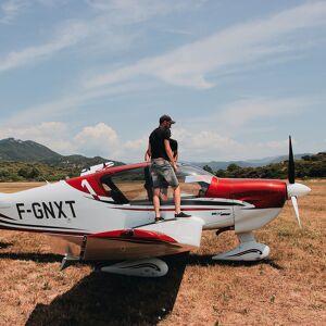 Vol en avion privé au-dessus des châteaux de la Loire (30min) Coffret cadeau Smartbox - Publicité