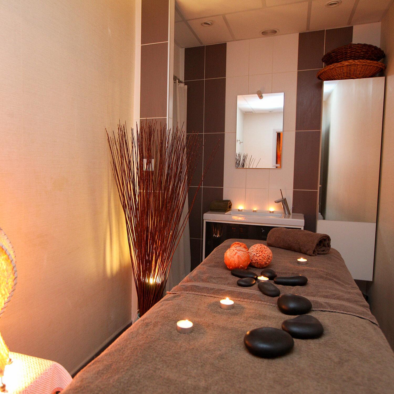 Massage huiles essentielles de 45 min et boîte de gourmandises régionales à partager pour 2 Coffret cadeau Smartbox