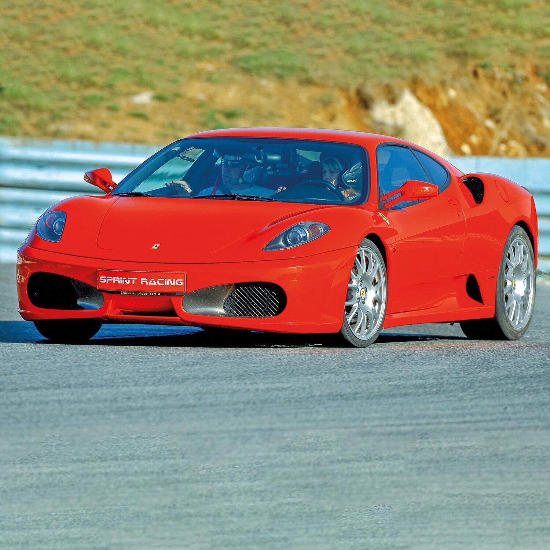 Session de pilotage 3 tours au volant d'une Ferrari 458 Italia près de Paris Coffret cadeau Smartbox