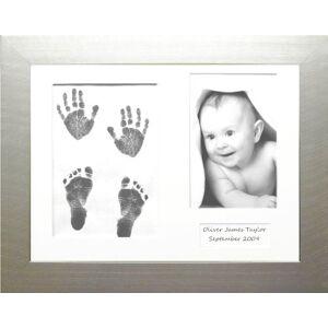 Anika-Baby Kit d'empreintes de pieds et de mains de bébé avec cadre  passe-partout 3 ouvertures Lingette sans encre Argenté/blanc/noir - Publicité