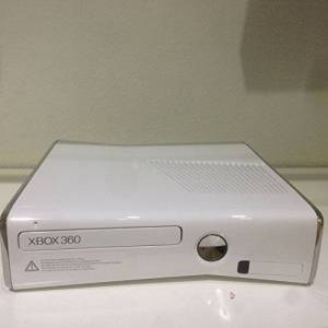 Microsoft Console Xbox 360 Slim 250 Go white edition [import allemand] - Publicité