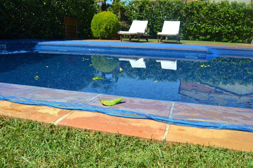 Bâche piscine anti-feuille et insectes 4 x 4 m carré