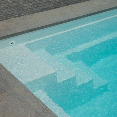 Piscine coque Sparte 6 : 6.20 x 3.20 x 1.50 m + LUXE + Coffre PVC hors sol