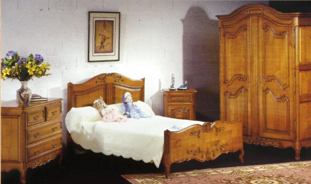 Lit 140x190 merisier sculpté pieds de biche
