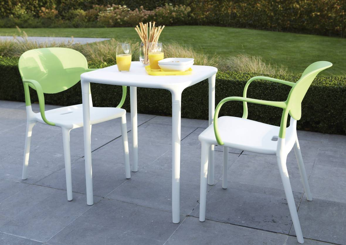 Table de jardin carrée plastique blanc L60