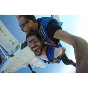 Wonderbox Coffret cadeau - Saut en parachute aux Sables d'Olonne - Sport & Aventure - Publicité