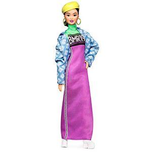 Barbie Signature poupée de collection BMR1959 articulée portant une robe et une veste en jean, jouet collector, GHT95 - Publicité
