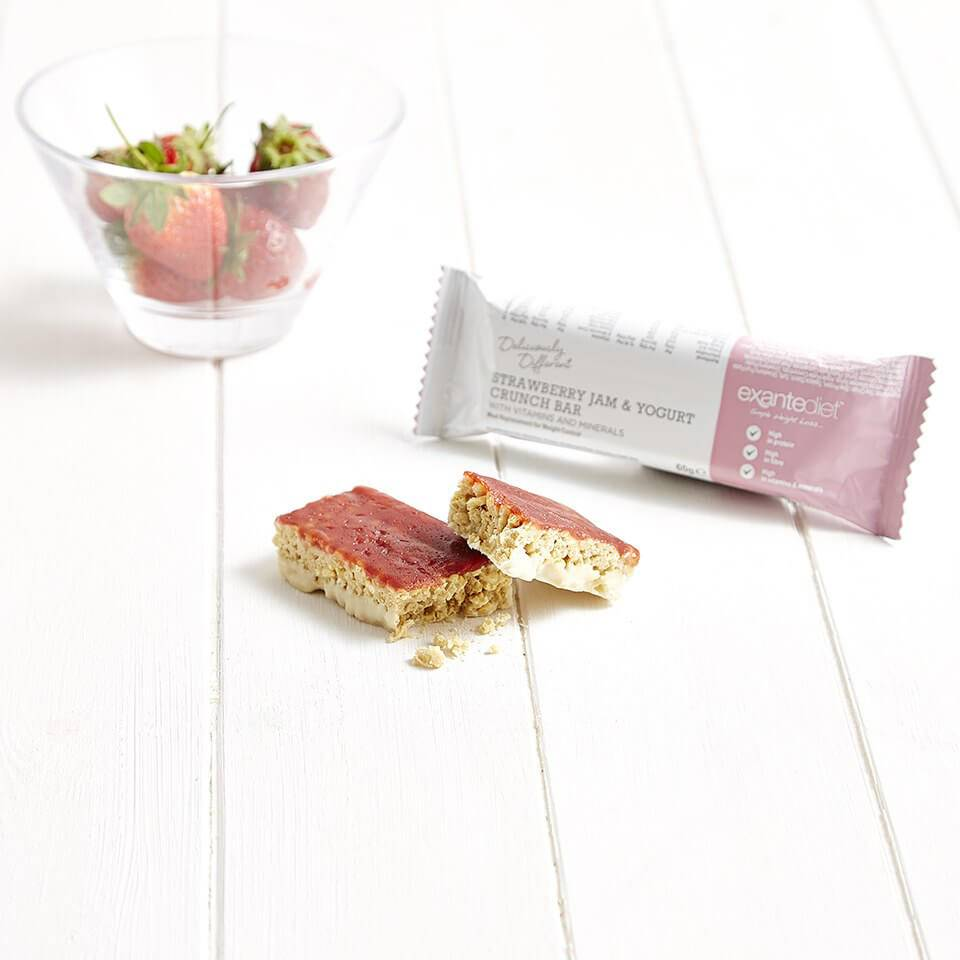 Exante Diet Meal Replacement Strawberry Jam and Yogurt Crunch Bar
