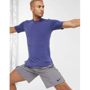 Nike Yoga t-shirt in navy
