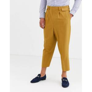 ASOS DESIGN pleated drop crotch tapered smart trousers with pocket flaps in camel-Beige