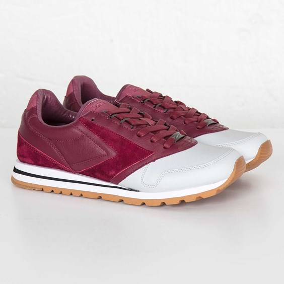 Brooks Chariot For Men In Red - Size