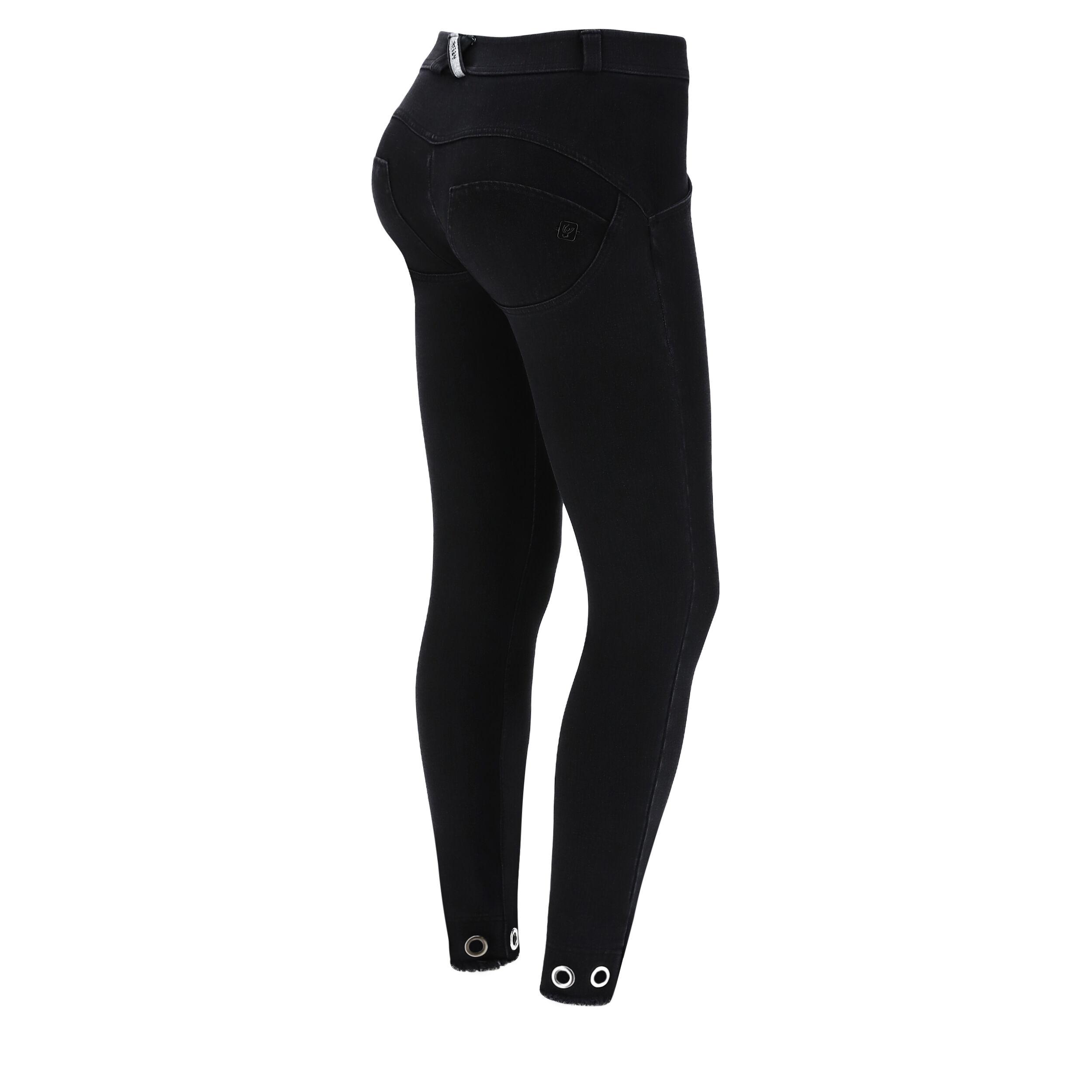 Freddy Push up WR.UP® in denim nero con borchie ad anello sul fondo Jeans Nero-Cuciture In Tono