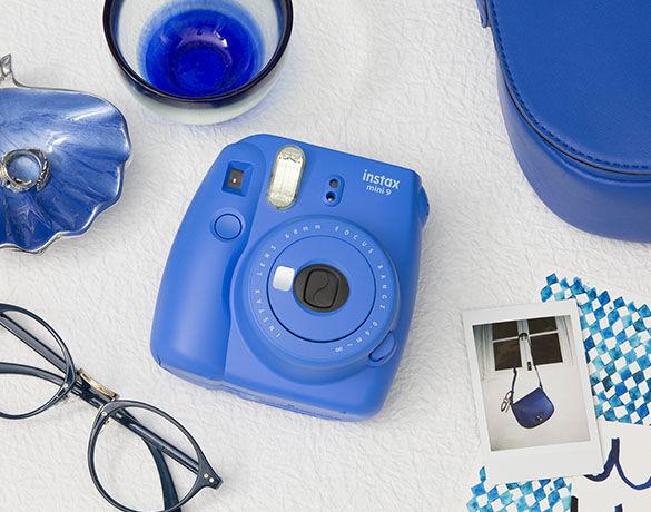 Fujifilm Instax Mini 9 Cobalt Blue + 10 Pose + Custodia - Gar.  Italia