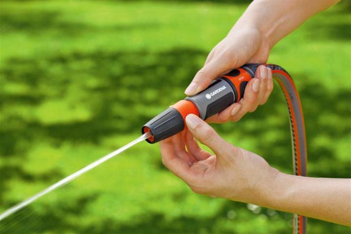 gardena 18300-20 ugello atomizzatore per pistola ad acqua da giardino ugello a spruzzo d'acqua da giardino grigio, arancione