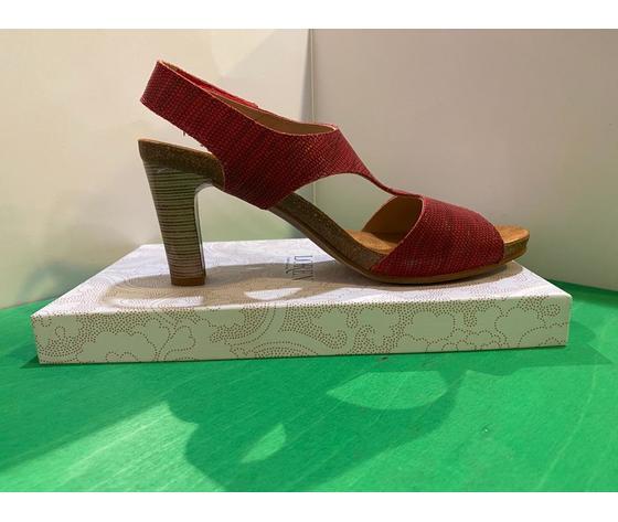 loren sandalo, con tacco effetto legno e cinturino con chiusura a strappo.