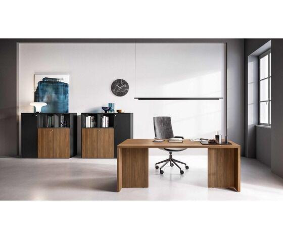 scrivania direzionale con due gonne fianco legno nobilitato melaminico
