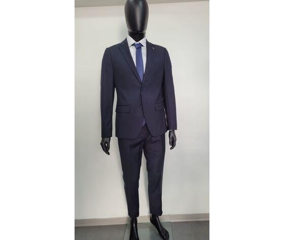 l'uomo Abito Completo Composto Da Pantalone Giacca Camicia E Cravatta
