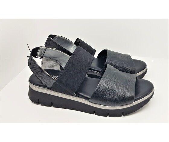 the flexx sandalo con fascie elastiche incrociate con cinturino fondo gomma con zeppa da 40 mm.