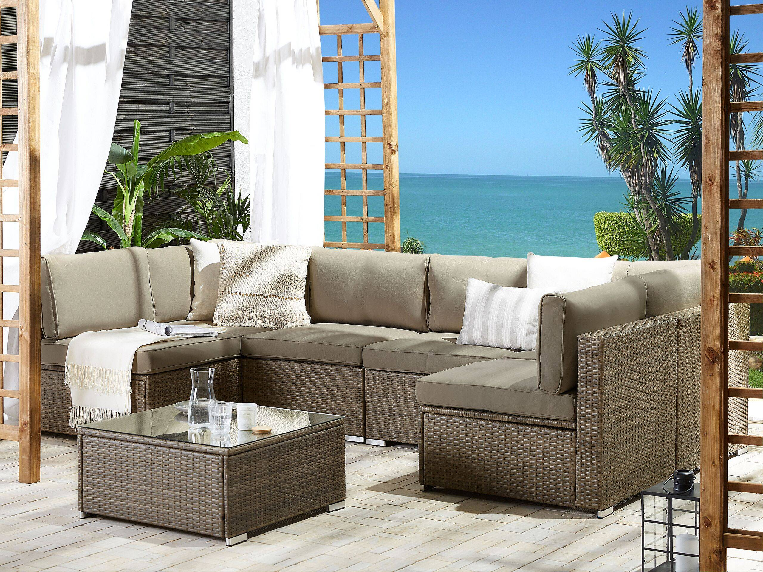 beliani salotto da esterno a 6 posti divano modulare in simil rattan e tavolino