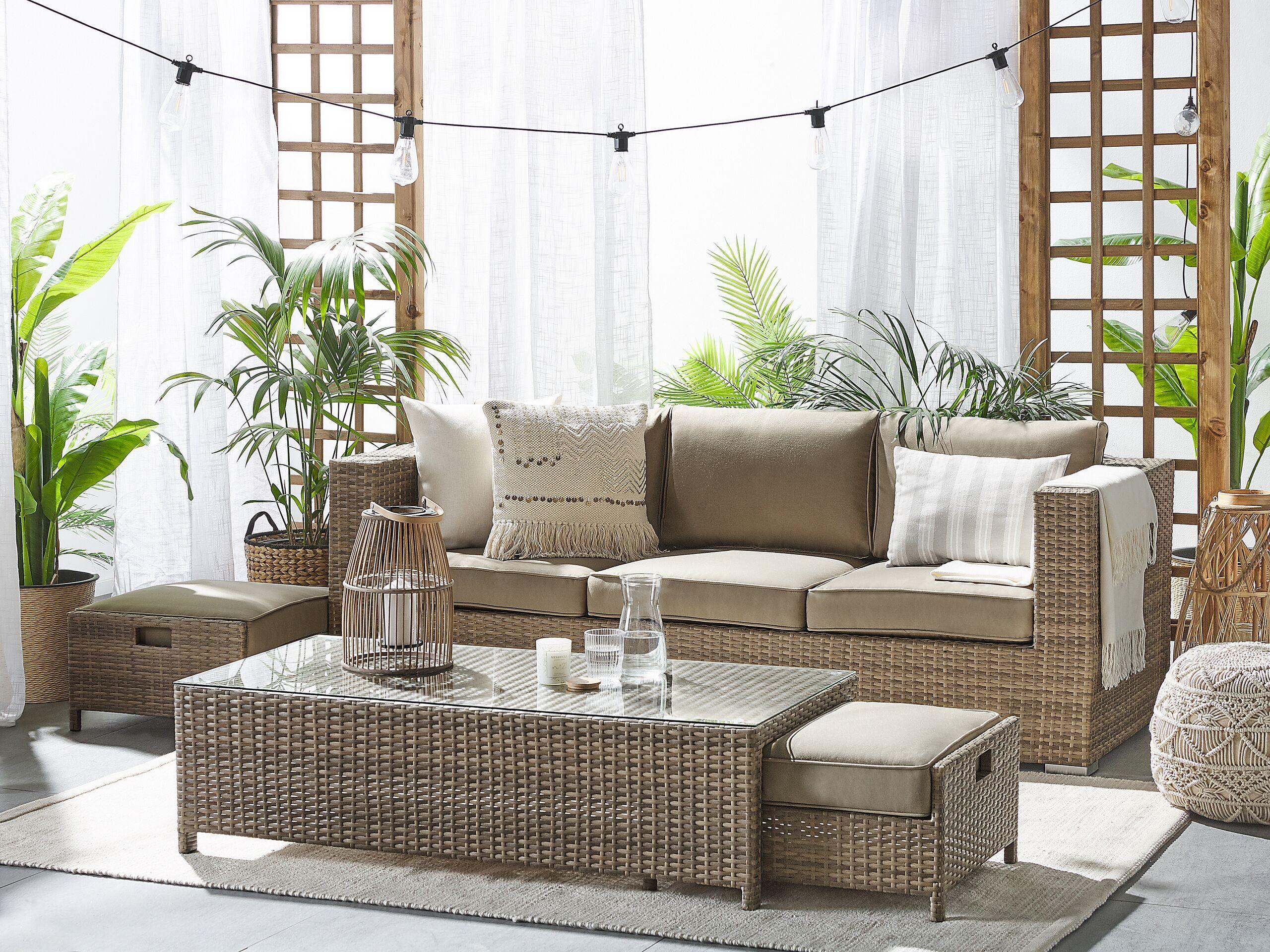 beliani set per esterni divano a 3 posti in ecopelle marrone tavolo e 2 ottomane
