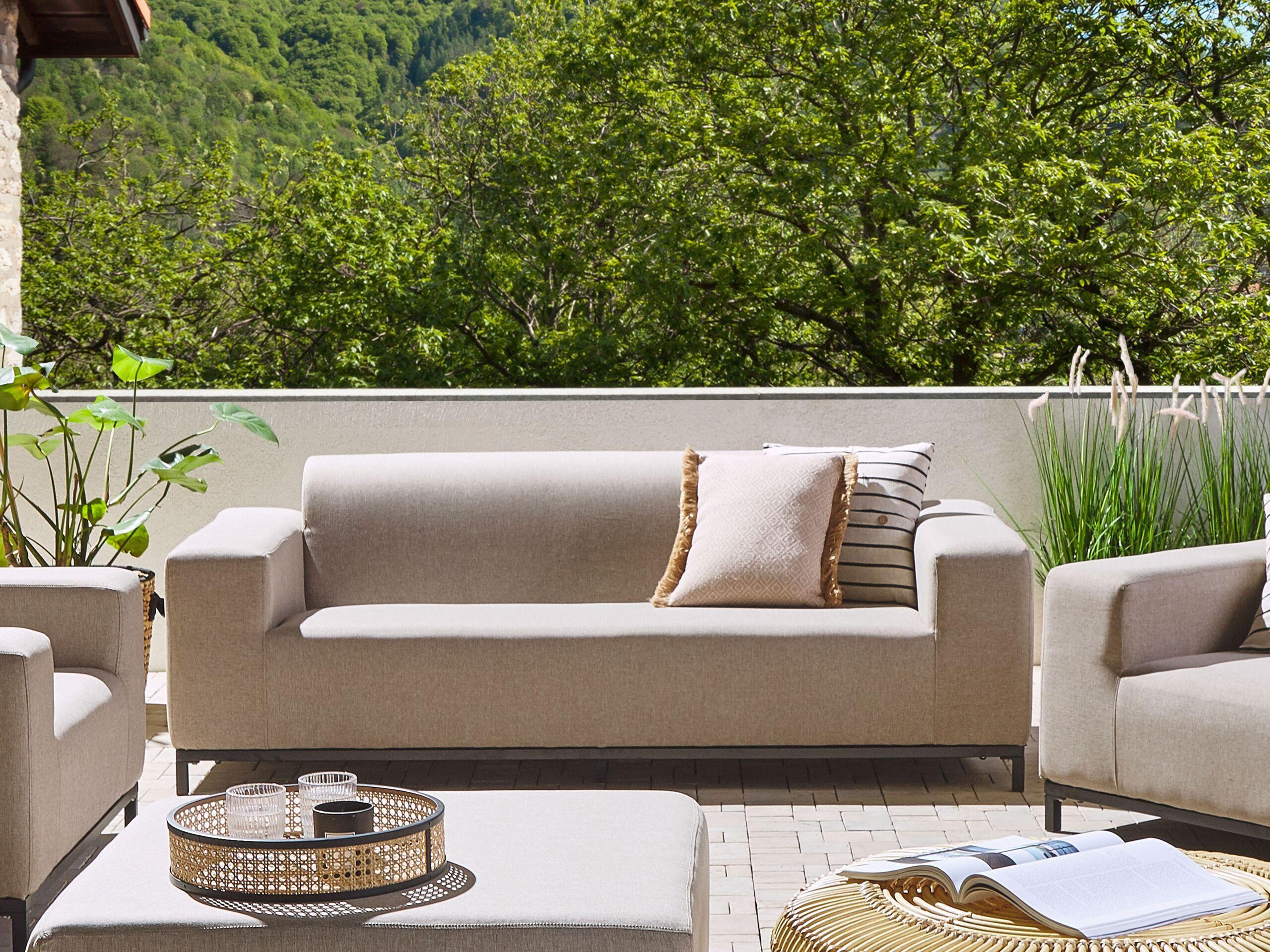 beliani divano in tessuto beige struttura nera per interni ed esterni moderno