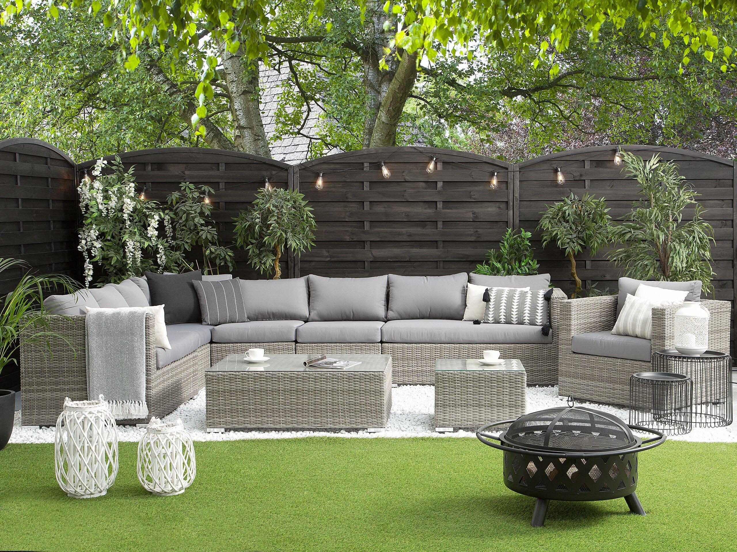 beliani set da esterno divano angolare finto rattan grigio e tavolino 8 posti
