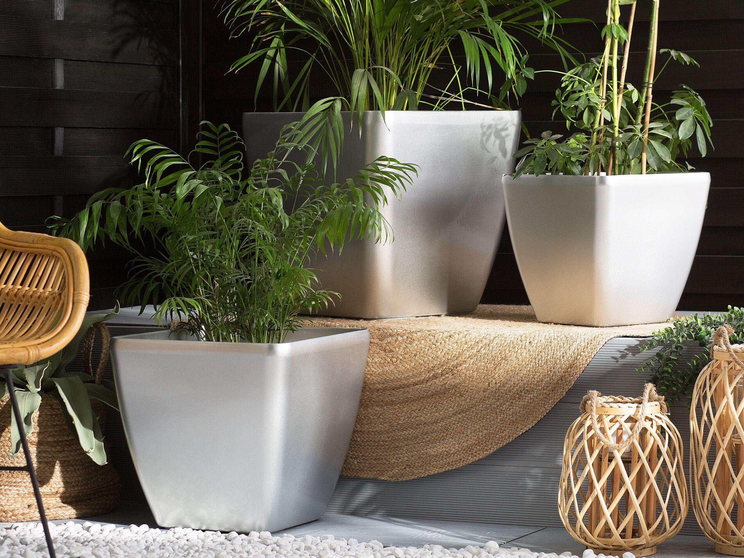 beliani set di 3 vasi per piante argilla sintetica argentata esterni o interni