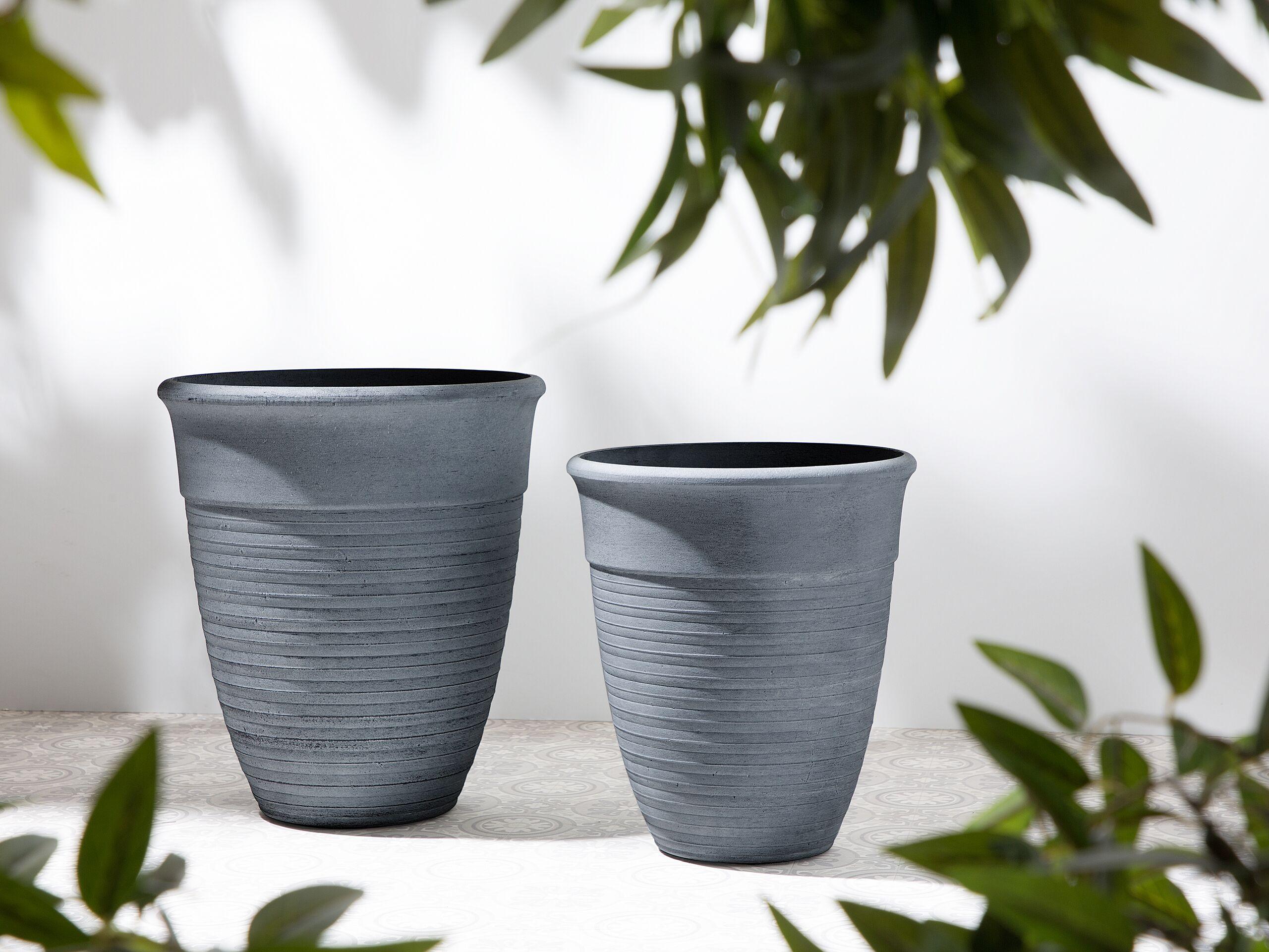 beliani set di 2 vasi rotondi miscela di pietre colore grigio varie dimensioni