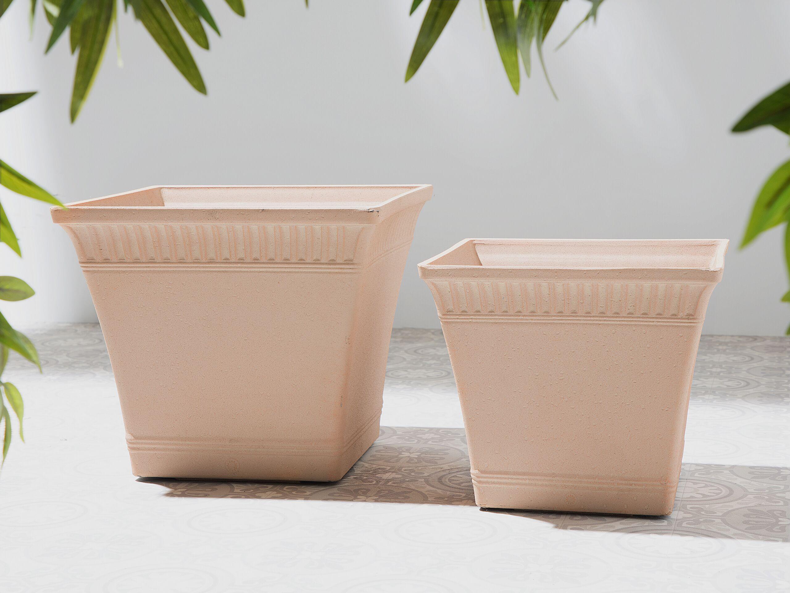 beliani set di 2 vasi da fiori quadrati colore rosso chiaro in stile romano